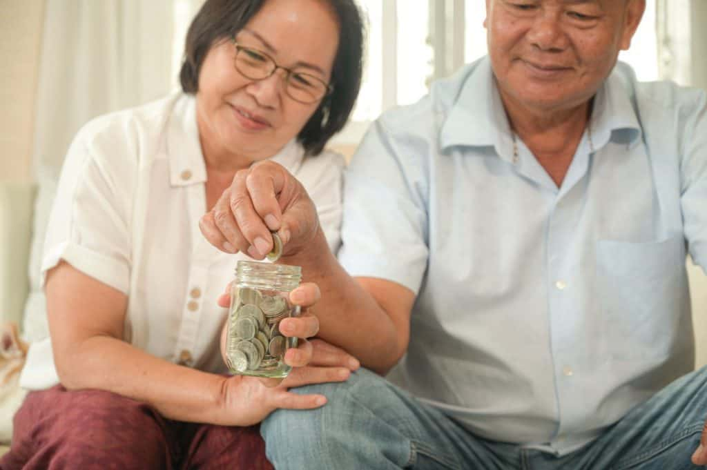 Asian Retirees Buying HDB after selling private property